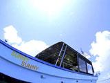 綺麗なダイビングボート