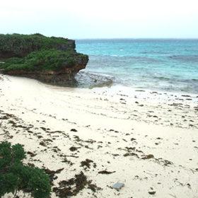 池間フナクスの砂浜