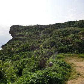 遠くから見たムイガー断崖