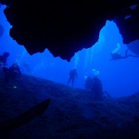 広がる洞窟