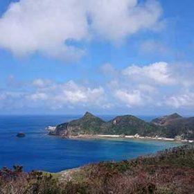 座間味島の全景