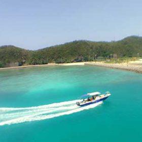 阿嘉島に向かうボート